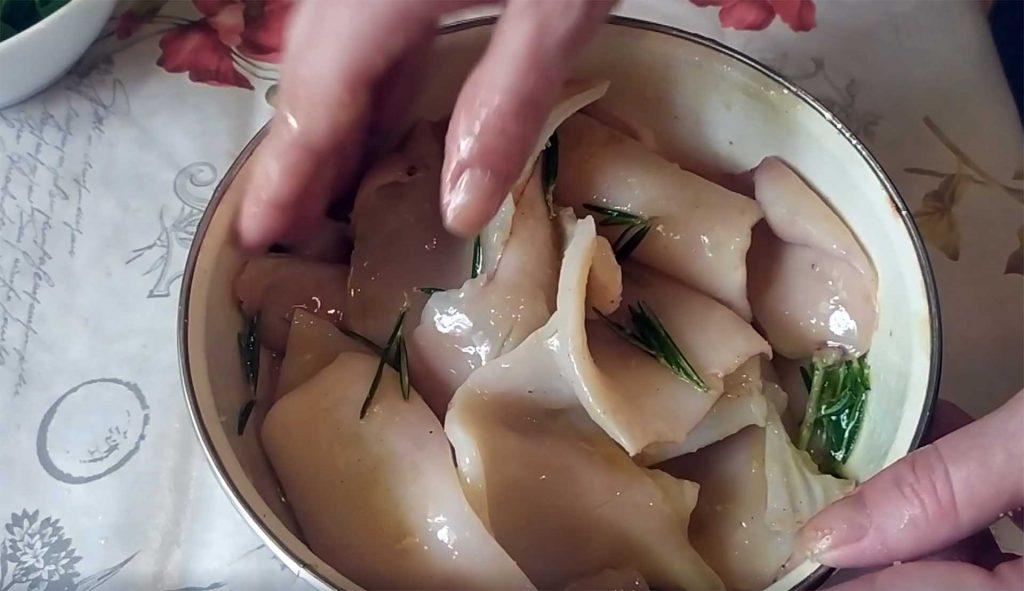 Нереально вкусные Кальмары-гриль со сливочным соусом по-французски.